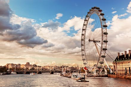london eye riesenrad in london. Black Bedroom Furniture Sets. Home Design Ideas
